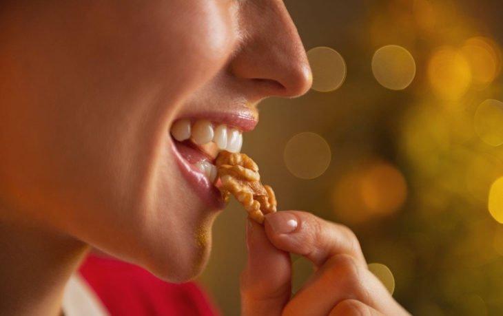 грецкий орех польза и вред для женщин
