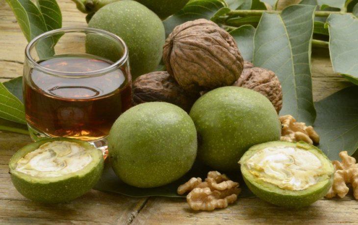 зеленые грецкие орехи польза и вред