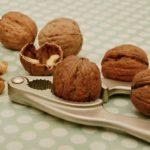 Польза и вред грецких орехов при диабете, для детей, при беременности