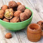 Польза и вред грецких орехов натощак, для похудения, ребенка