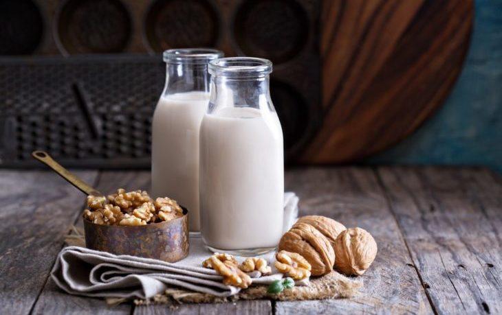 молоко из грецких орехов польза и вред