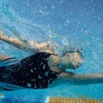 Польза и вред плавания для здоровья человека
