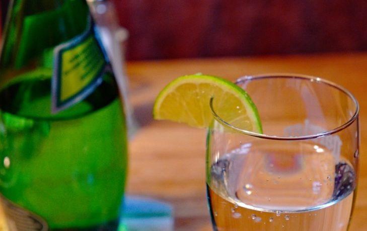 минеральная вода с лимоном польза