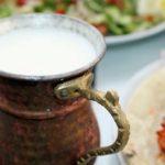 Польза и вред кисломолочного напитка айрана турецкого, магазинного, на ночь