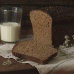 Польза и вред черного хлеба с маслом, молоком, арбузом