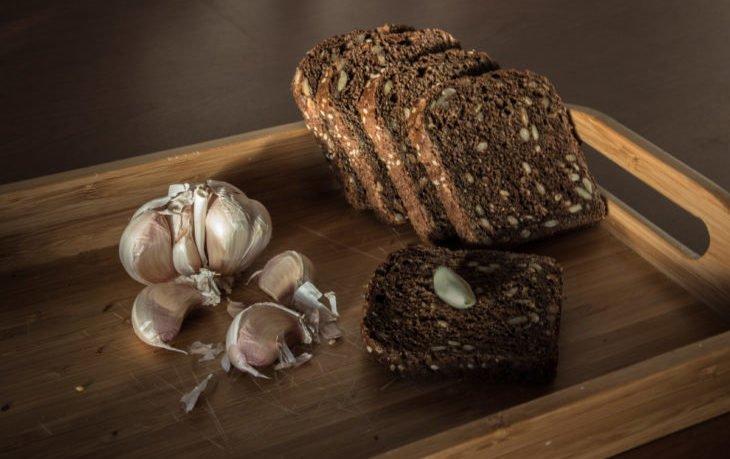 хлеб с чесноком польза и вред