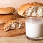 Польза и вред хлеба с кефиром, арбузом, вареньем