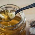 Польза и вред чеснока с медом и лимоном, куркумой