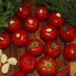 Польза и вред чеснока с помидорами, сывороткой, маслом