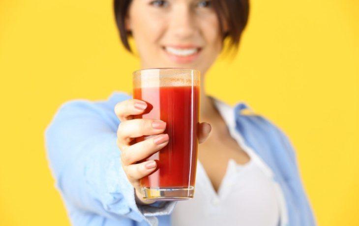 томатный сок польза для женщин и вред