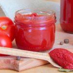 Польза и вред томатной пасты в соке, со сметаной, с базиликом