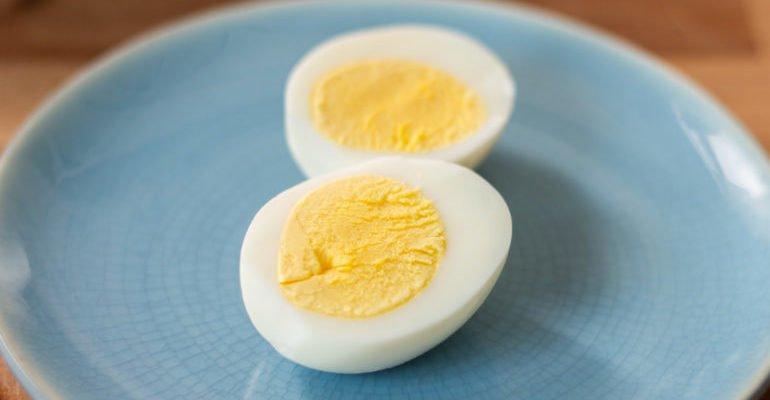 яичный желток и белок что полезнее