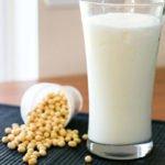 10 полезных свойств соевого молока